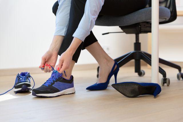 Дресс-код убивает здоровье. Как выбрать правильную обувь для работы?